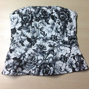 WHBM Monochrome Floral Straplesss Top - 4