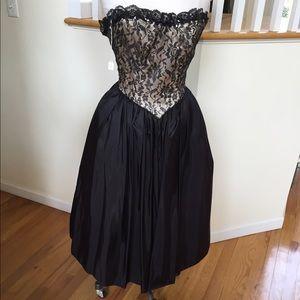Gunne sax, woman Cocktail Dress black vintage