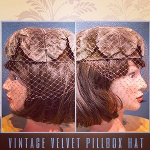 Vintage 1960s Silvery Taupe Velvet Pillbox Hat