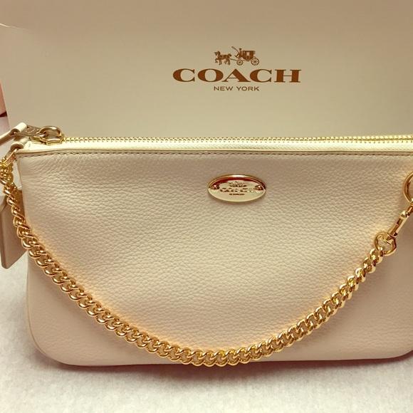 6d2b41cfdacb Brand New Coach Purse Wristlet  Clutch Bag