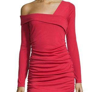 Melissa Masse Dresses & Skirts - 💛Gorgeous ruched asymm shoulder .dress
