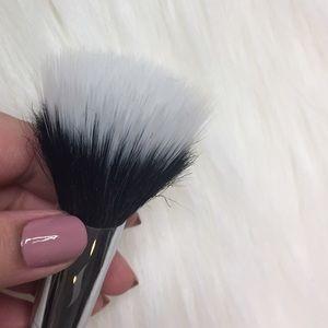 Sephora Makeup - Sephora Pro Stippling Brush #44