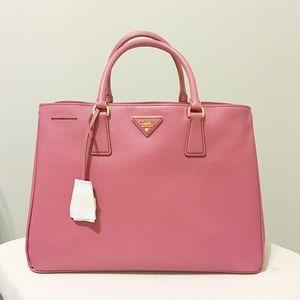 Prada Saffiano Lux Tote Bag in Pink