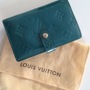 Authentic LV patent leather wallet