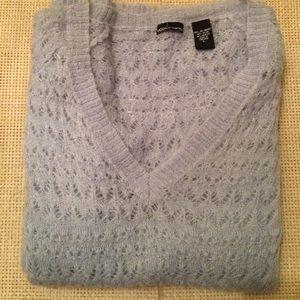 Moda international sweater 20 x 27