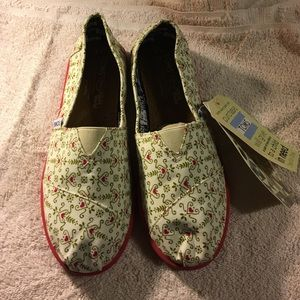 TOMS Other - Toms kids shoes