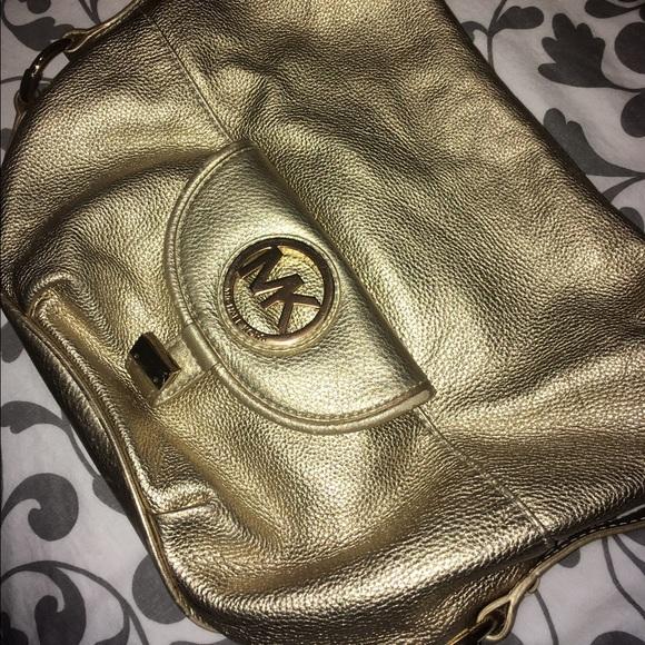 ffee1bda39e6 Michael Kors Bags | Authentic Fulton Large Leather Purse | Poshmark