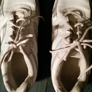 Danskin White Sneakers Athletic Shoes