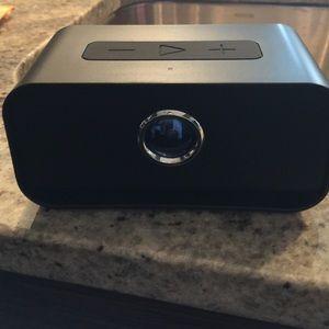 Brookstone big blue live wireless speaker