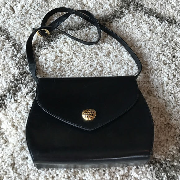 Salvatore Ferragamo Black leather Cross-body purse ef4c26b7623ab