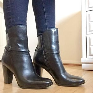 Frye Shoes - ✨$30 OFF TODAY - Frye | Laurie Bootie NIB