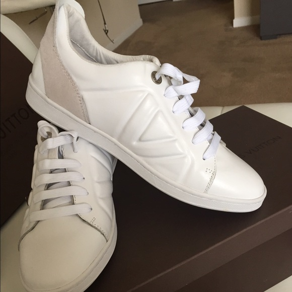 7654bac8ac26 Louis Vuitton Fuselage White Sneakers