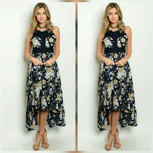 Dresses & Skirts - CLEARANCE NWT NAVY WHITE TAN FLORAL DRESS