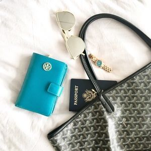 Tory Burch Handbags - Tory Burch French Fold Saffiano Wallet