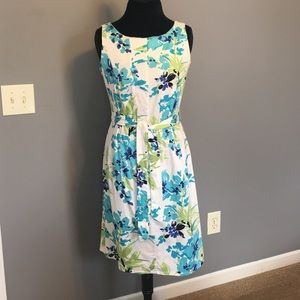 Kim Rogers Dresses & Skirts - Cute spring print sheath dress