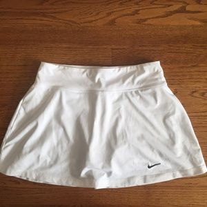 Nike dri-fit white tennis skirt M