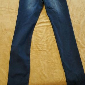 Celebrity pink 9 long jeggings nwt