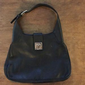 Ferragamo Handbags - Gorgeous Salvatore Ferragamo classic black purse
