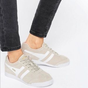 Gola Shoes - Gola Classic Harrier Trainers in Nude & White