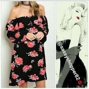 Dresses & Skirts - 🌹LAST 2🌹 Romantic off shoulder dress