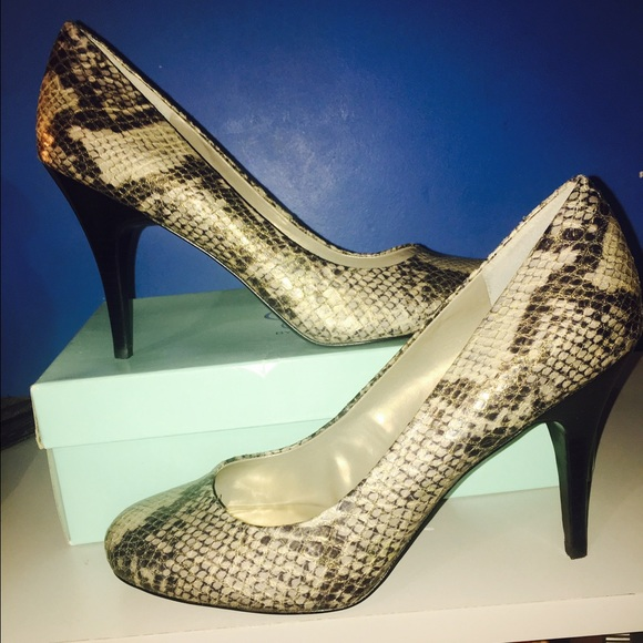 736b47ac8f0d Jessica Simpson Shoes - Jessica Simpson snake print heels