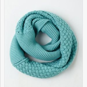 ModCloth Accessories - Chill Out on the Town Scarf