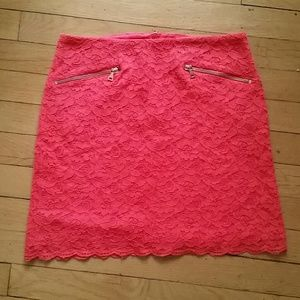 H&M Dresses & Skirts - H&M vibrant coral fitted lace mini skirt, size 6/S