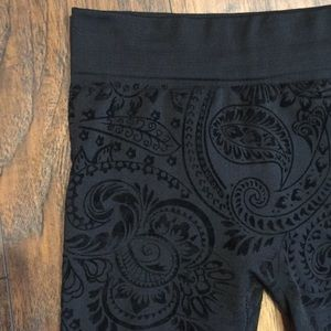 Black Paisley Fleece leggings