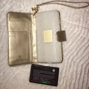 factory price 64960 a40b3 Chanel iPhone 7 Plus Wallet Case NWT