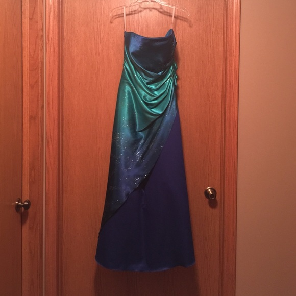 Prom dresses by jump apparel - Best Dressed