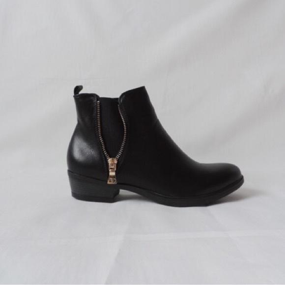 black low heel chelsea boots
