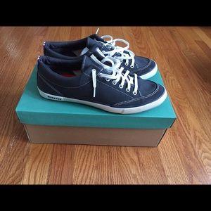 SeaVees Shoes - NIB Men's Seavee's size 11