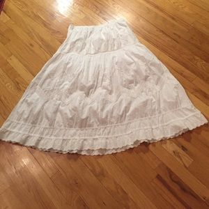 Avenue lined white cotton skirt w/lace &embroidery