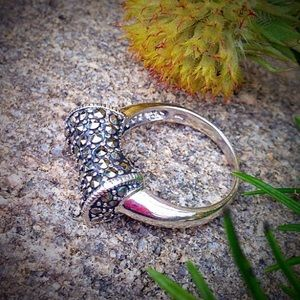 Solid sterling silver marcasite ring