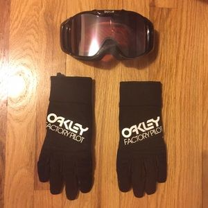 Oakley Other - SALE🎊 Oakley Cold Weather Gloves Finger-tip touch