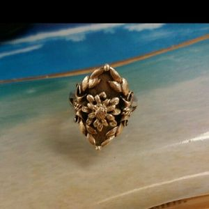 Beautiful Sterling Ring Size 6 - 925