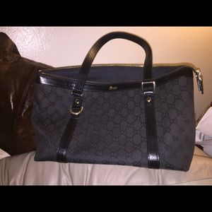Gucci Handbags - 100% Authentic GUCCI fabulous black canvas handbag