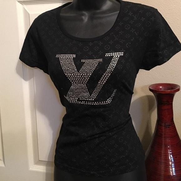 276e24e187d6 Louis Vuitton Tops - Women s authentic LOUIS VUITTON Tshirt size Large