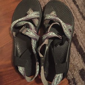 chacos!!