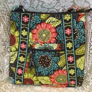 Vera Bradley Flower Shower Hipster! Like New