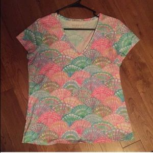 Lilly Pulitzer Tops - Lilly Pulitzer oh shello vneck tshirt top