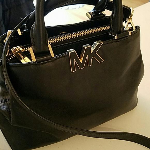 512e71238ac0 Michael Kors Handbags - MK Florence small satchel/Crossbody/FINAL PRICE