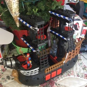 Other - IMAGINEXT Pirate Ship with Figures