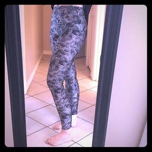 Onzie Pants - BNWT Onzie high-rise legging M/L