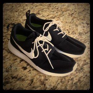 Nike Other - Men's Nike ID Roshe Runs
