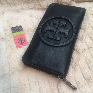 ✨Tory Burch✨ Zip Around Continental Wallet