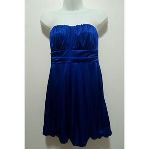 Forever 21 Dresses & Skirts - Forever 21 strapless blue party dress