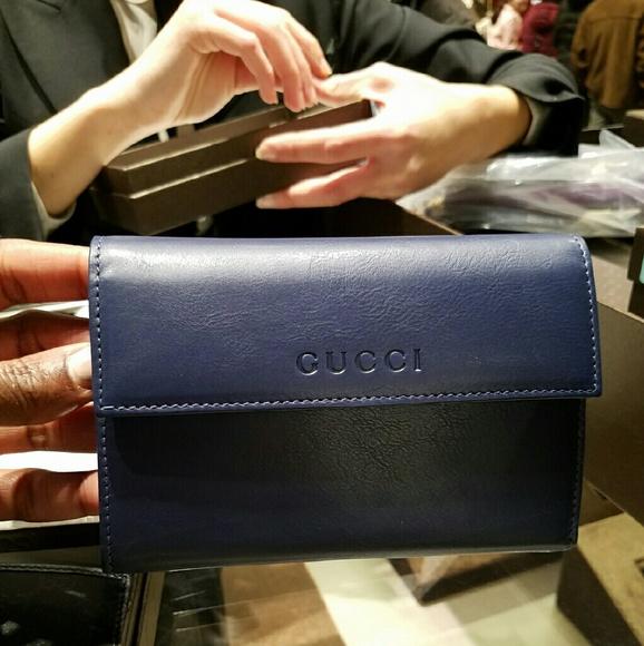 ba8a80cb1b1 NIB Authentic navy Gucci wallet