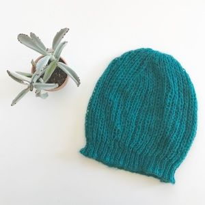 {urban outfitters} slouchy beanie green turquoise