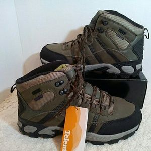 Other - $$⬇️Green leather hiking boots NWT